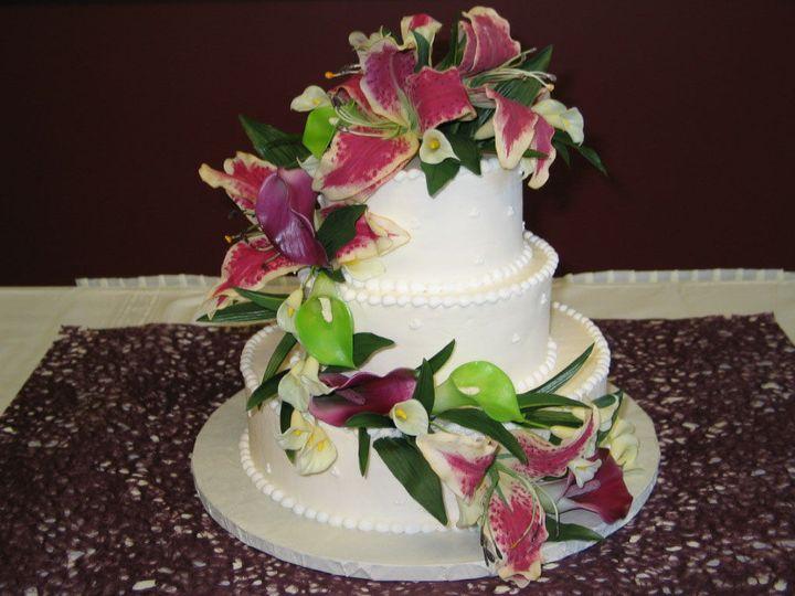 Tmx 1529615588 B43c838524ce33dc 1529615586 B7c61e576e71ce67 1529615582061 3 Image5 Louisville wedding cake