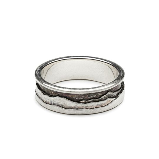 Layered mountain silhoutte ring
