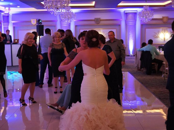Tmx 59928650 2280896398824752 1771132551662927872 O 51 743351 1565635405 Royal Oak, MI wedding dj