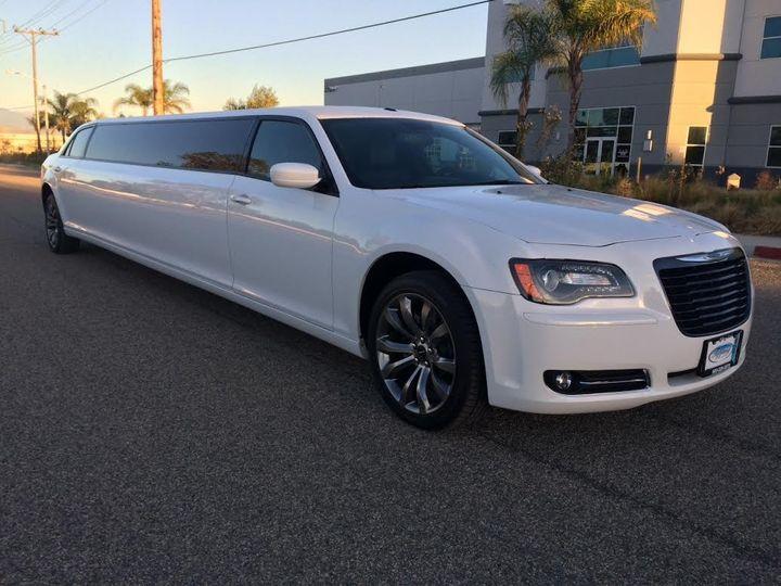 10 passenger white chrysler 300 limousine 1