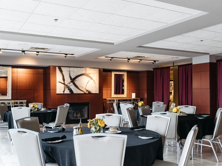 Tmx Dt Lobby Eventspace Fullsize 1 51 494351 159249565645738 Des Moines, IA wedding catering
