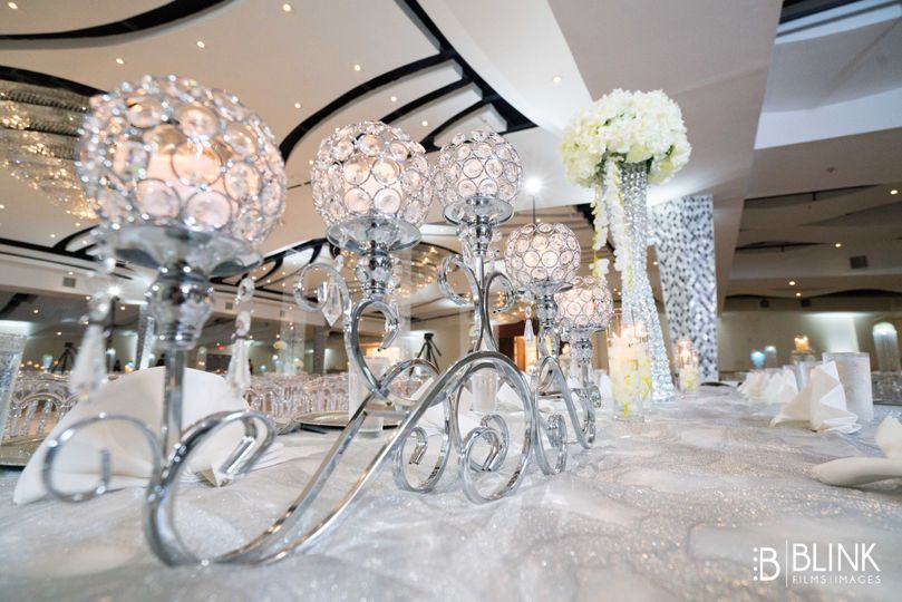 Glass table decors