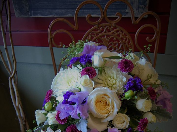 Tmx 1530910496 14050fcc429aca79 1530910494 3568a88d53dff3ce 1530909609476 6 DSC 0861  2  Missoula, Montana wedding florist