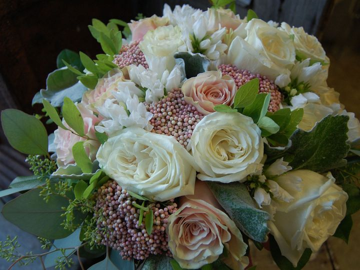 Tmx 1530910643 38ccc19343dd349c 1530910641 00a6d231e781d075 1530909744292 8 DSC 0023 Missoula, Montana wedding florist