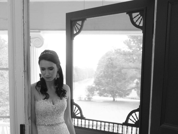 Tmx 1518207630 Ae43f3fd16b2073c 1518207627 1140e1d47165f285 1518207600229 4 065 C BW Greensboro, NC wedding photography