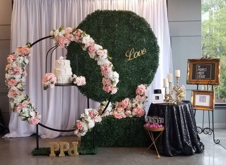 Stunning set up for The Cake