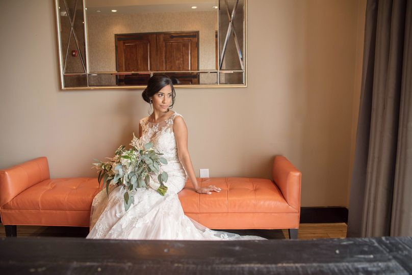 2778d221a82c4feb 1537481197 f54dca20e2b07703 1537481190286 10 Tampa wedding pho