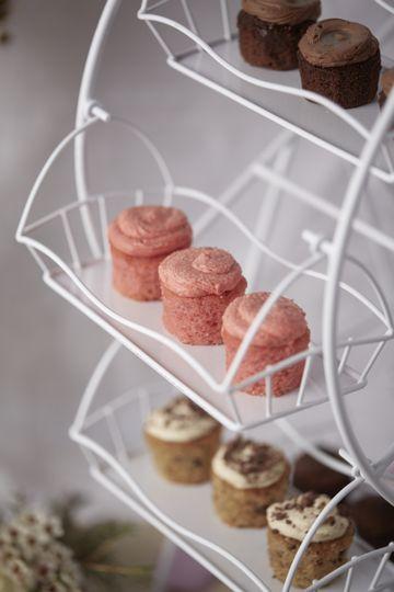 Dessert Bar Ferris Wheel, showing Sugar Cookie, Chocolate Salted Caramel and Cookie Dough Minis
