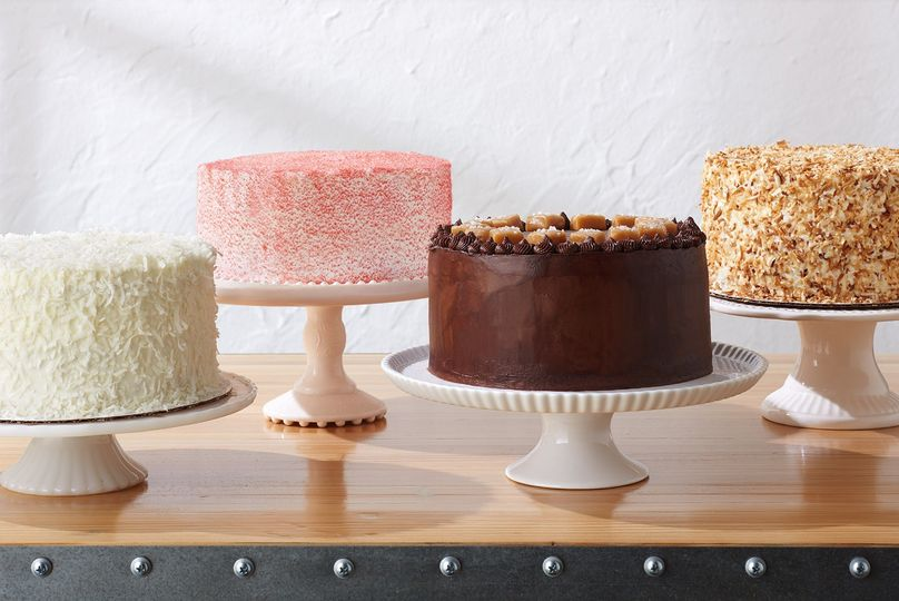 Full Cakes for Large Dessert Bars