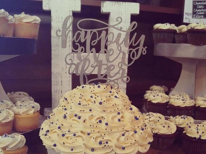 Tmx Abby Benz Chesterfield, MO wedding cake