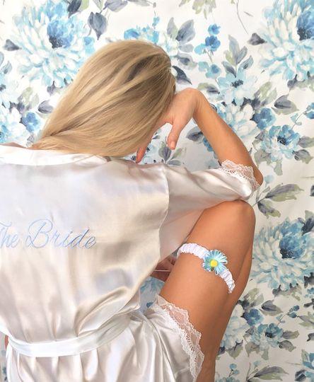 bleu garters 1