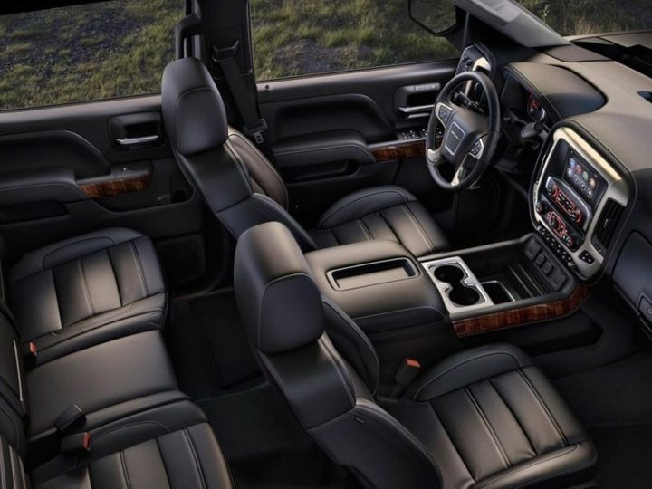 Tmx Gmc Denali Interior Overhead 51 180551 1562346053 Davenport, IA wedding transportation