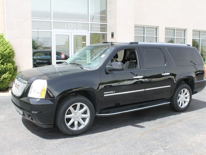 Tmx Gmc Denali Left Side View 14 51 180551 1562346053 Davenport, IA wedding transportation