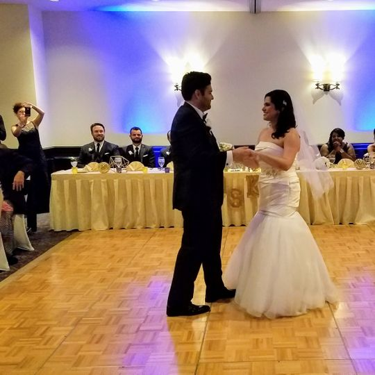Couple's first dance at The Hotel Contessa