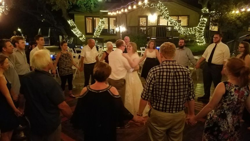 Couple's dance at Gardens at Old Town Helotes