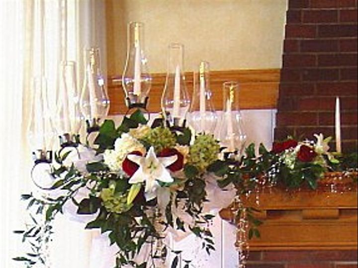 Tmx 1347481394899 Floralaccentsceremonycandleabrawithflowers North Tonawanda wedding florist