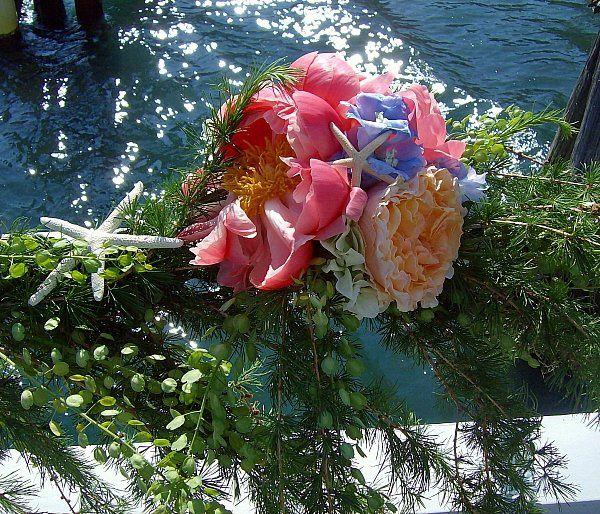 Tmx 1347481626198 Floralaccentsweddingceremonyjune22012starfishshipbowcloseup North Tonawanda wedding florist