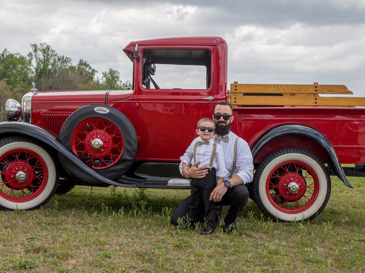 Tmx Love Photography 2 20 2020 Family Portriates 6 51 1977551 159499234525333 Spring Hill, FL wedding photography