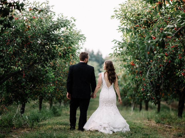 Tmx Bridegroom Danigabe 068 51 1028551 V1 Cedar, Michigan wedding venue