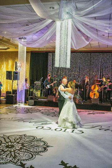 Wedding Flowers Warren Mi : Top that event wedding rentals photobooths