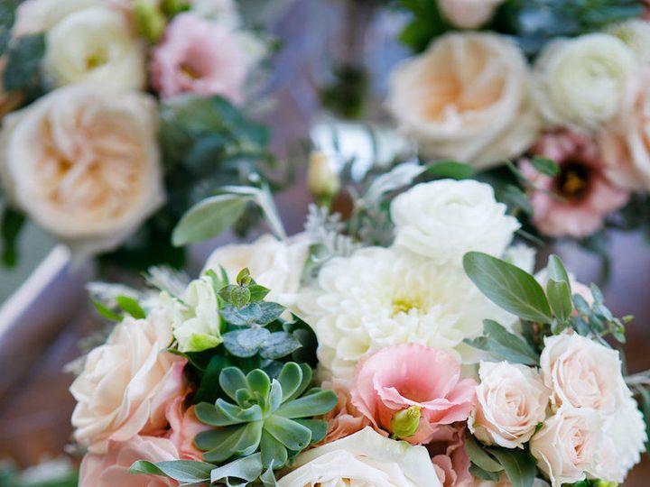 Tmx 1518112819 4d0eee7a21d0ed7f 1518112818 F8122b4a86bf79c2 1518112814872 15 0004 CarolineJon  Denver, Colorado wedding florist