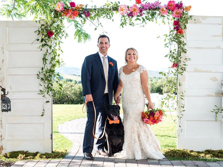 Tmx 1518113007 Cc2cfcb00eb87fb3 1518113006 F4c28d1f0d63f68f 1518113005433 39 0525 From The Hip Denver, Colorado wedding florist