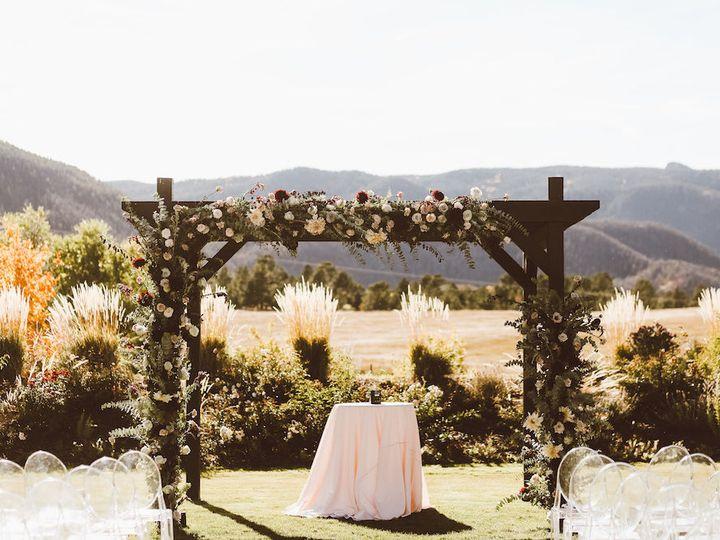 Tmx 1518113045 64edaec06a46ebf9 1518113027 23aef9d9f42b0bac 1518113027091 46 Margaret   Jeremy Denver, Colorado wedding florist