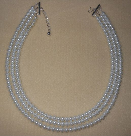 pearl 3 strand necklace