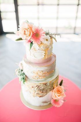 Tmx 67163538 350688395599850 341922346434560 N 51 1934651 159443237064666 Rock Island, IL wedding cake