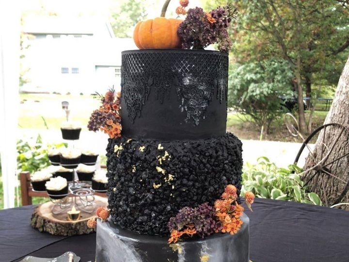 Tmx Faith 51 1934651 159443237134815 Rock Island, IL wedding cake