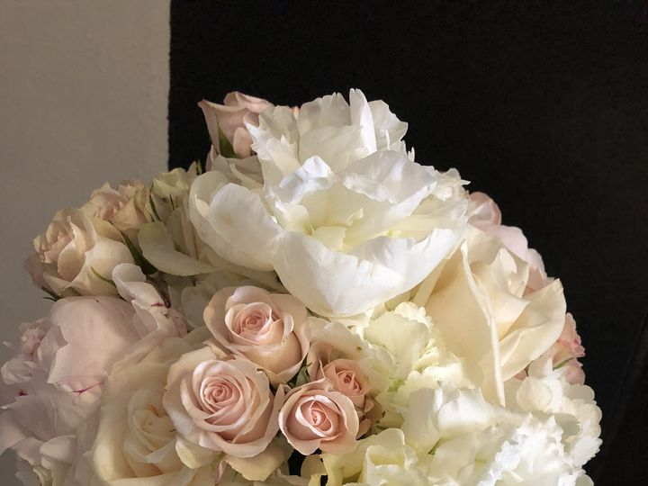 Tmx 1536755125 F72b136d44b2a741 1536755120 5a38269b62ed51c7 1536755069069 14 7A645D6E E7F5 43E Ventura, CA wedding florist