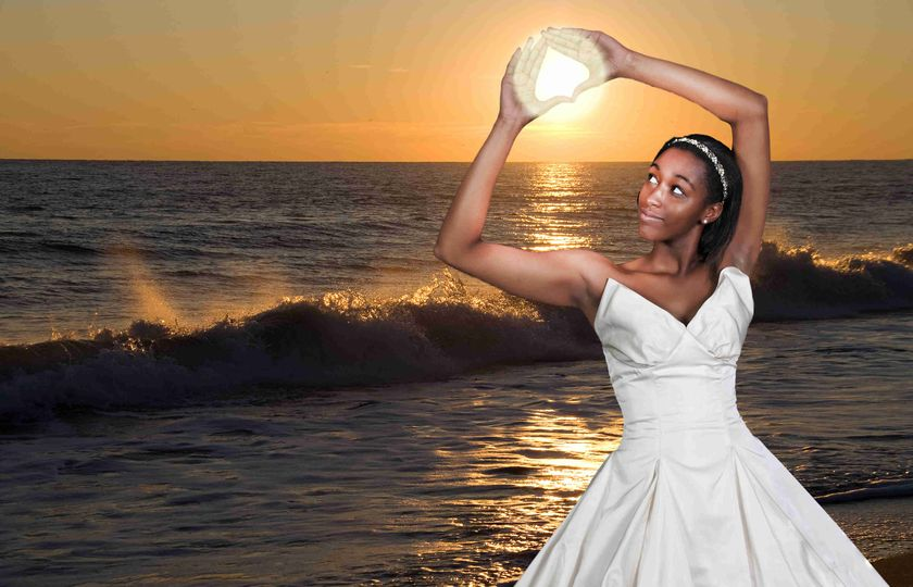 The sun in the palms of her hands (IGM Production)