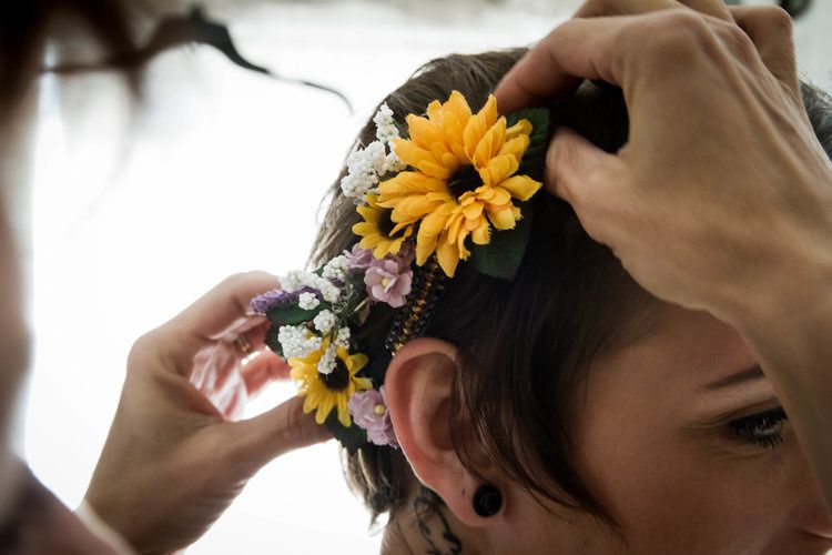 Fastening the hairpiece