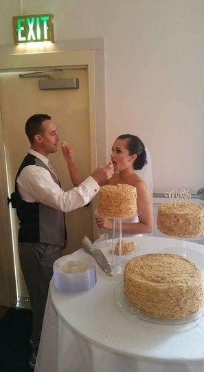 Couple cake eating