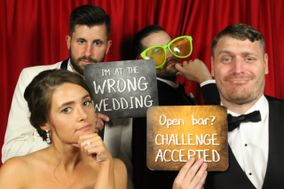 Show A Pose Photo Booth