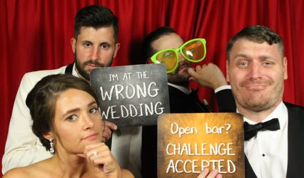 Show A Pose Photo Booth 1
