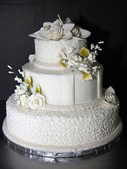 resch 39 s bakery wedding cake columbus oh weddingwire. Black Bedroom Furniture Sets. Home Design Ideas