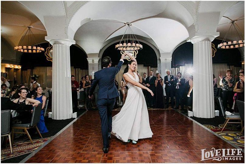 45019064309d76ae 1490132301351 hotel monaco dc wedding0035 1