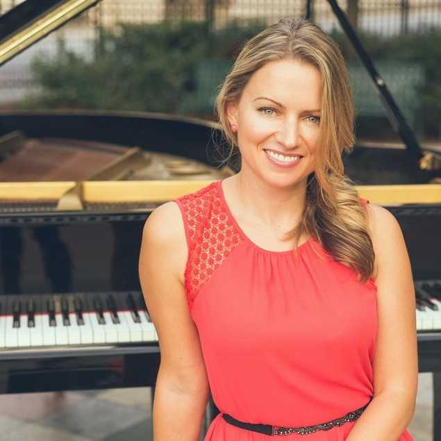 Diana Pand - Pianist For All Occasions