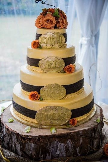 800x800 1452619729830 cowboy theme wedding cake
