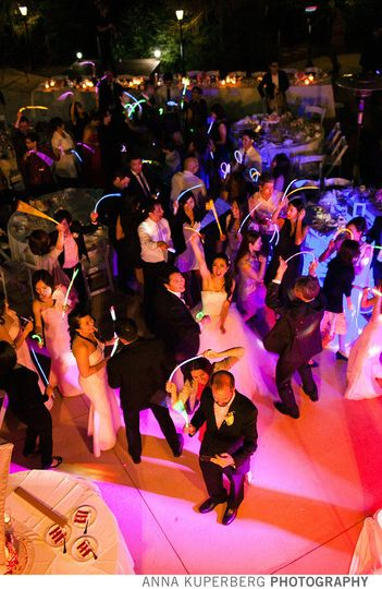 Dancing crowd at Byington Vineyard - Los Gatos.