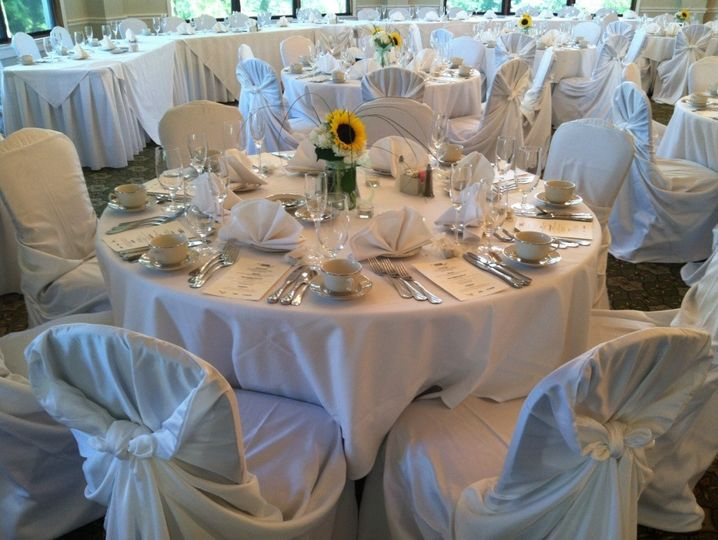 Simple, Elegant, & Classic table set-up