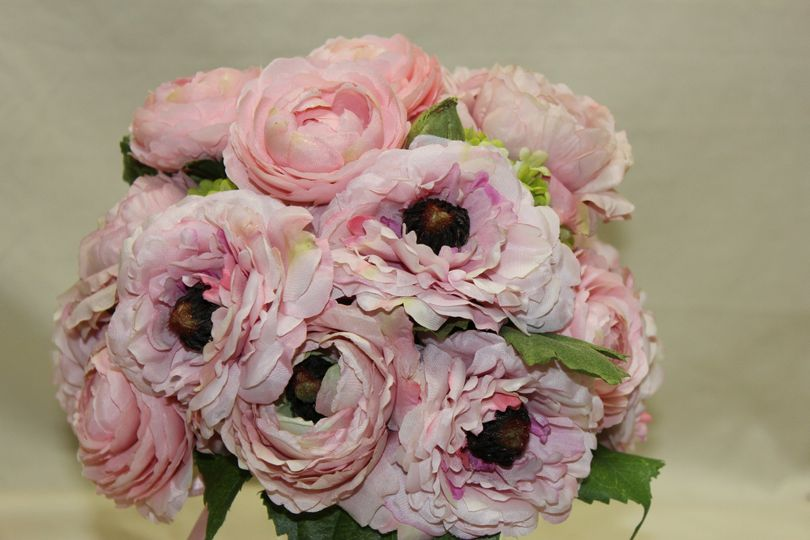 dale 39 s designs florals flowers cincinnati oh weddingwire. Black Bedroom Furniture Sets. Home Design Ideas
