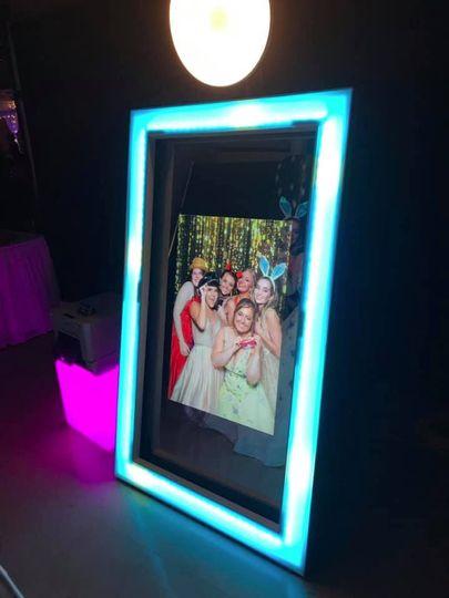 Elite Mirror Photo Booth