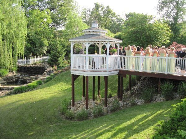Beautiful outdoor ceremony in May at Wunderland.