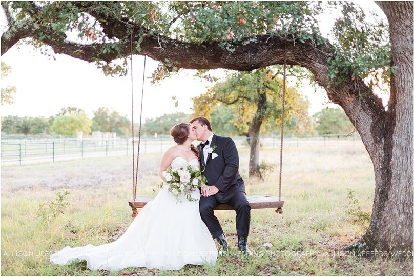 800x800 1475865778990 cw hill country ranch boerne texas wedding0037.jpg