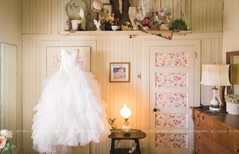 sisterdale dancehall wedding photographer0001
