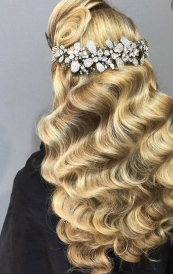 Embelished hairpiece