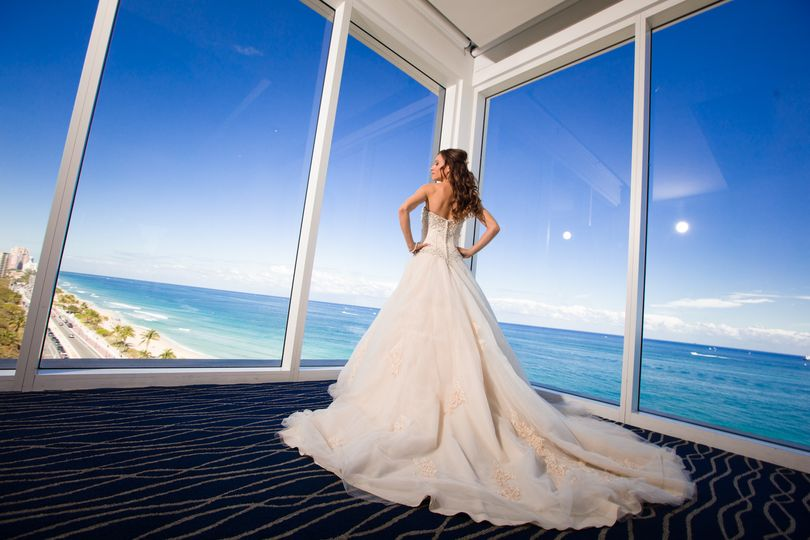 Ashley And Stephens Beautiful Miami Beach Wedding With The Charmingly Vintage Package