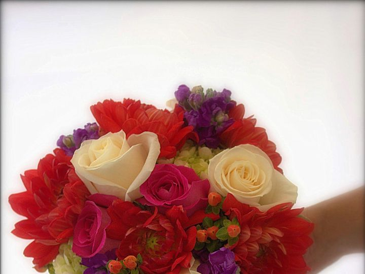 Tmx 1520285738 80b867538aec30c9 1520285736 0dc015797c076542 1520286111799 13 IMG 0056.CR2 Colchester, VT wedding florist